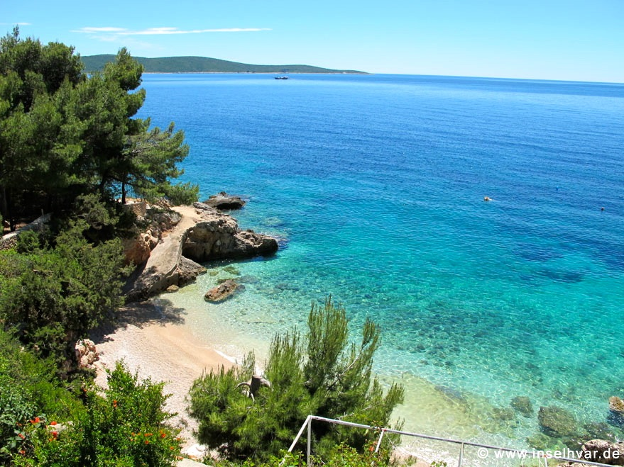 Hvar vacation rentals near the beach